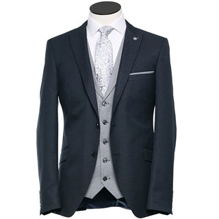 Benetti Royal Howie Tapered 3-Piece Suit